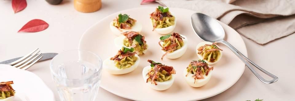 Œufs farcies au guacamole et bacon