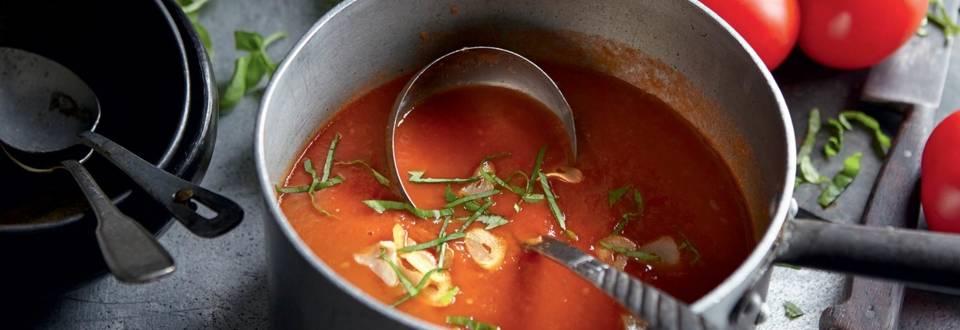 Soupe à la tomate et basilic