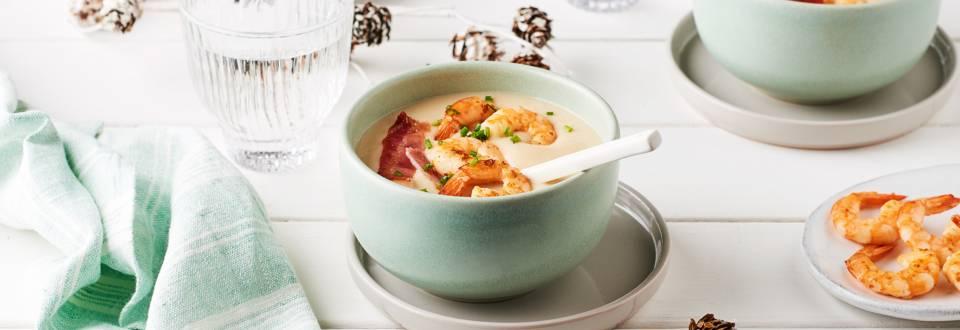 Soupe haricots blancs, bacon grillé et gambas