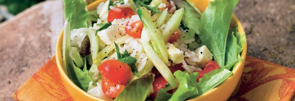 Salade de riz concombre, tomates et mozzarella