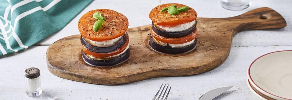 Millefeuille de tomate aubergine mozza et basilic