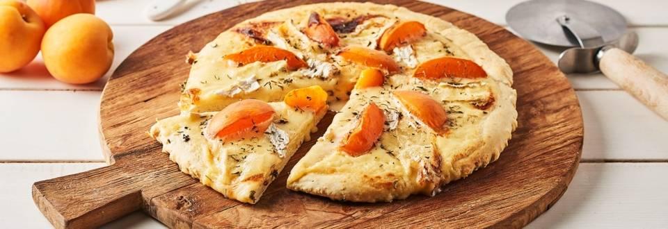 Pizza au Brie et à l'abricot