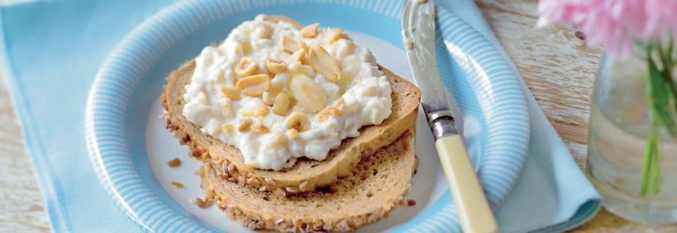 Crème à tartiner à la banane et aux fruits secs
