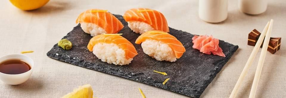 Sushis de saumon marinés au citron et gingembre