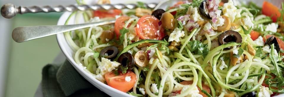 Salade grecque aux spaghetti de courgette