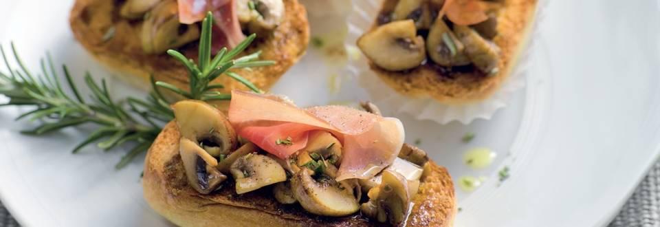 Bruschetta de champignons marinés et jambon espagnol