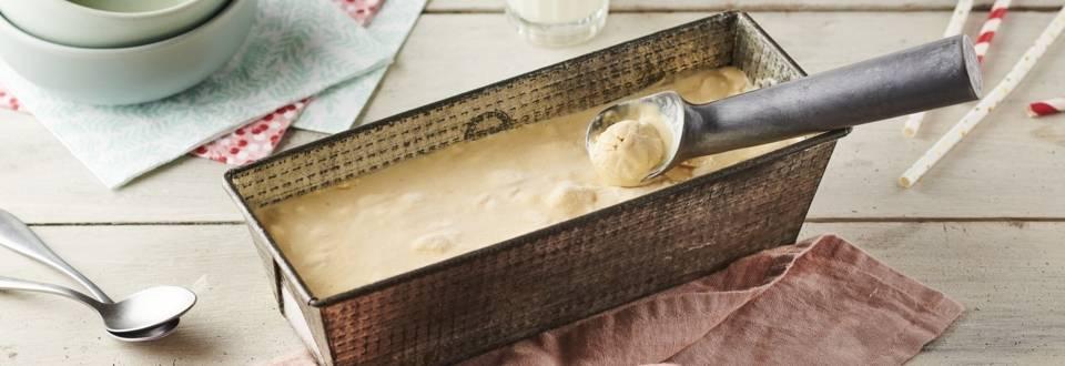 Glace caramel et pistaches caramélisées