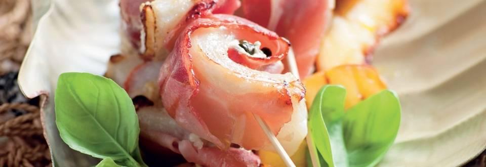 Roulés de poisson farcis au fromage frais et à la pêche