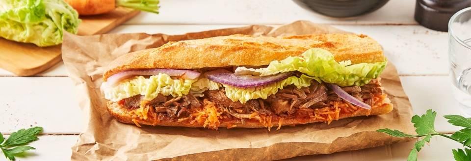 Sandwich à l'effiloché de jarret de porc