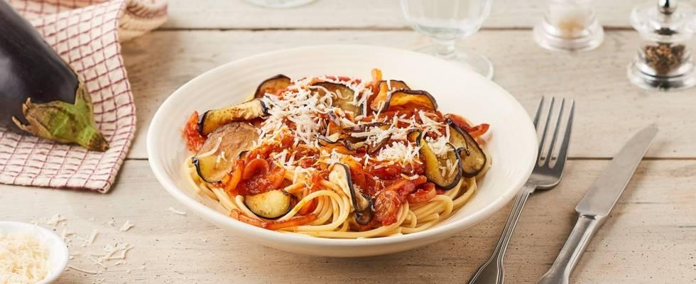 Spaghettis aubergines grillées et poivrons rouges