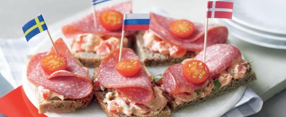 Tartines aux tomates et salami