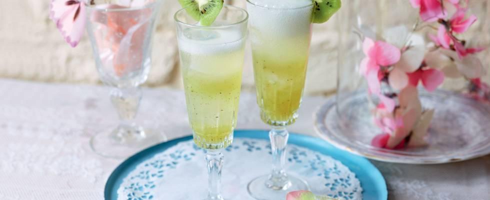 Cocktail au kiwi et à la menthe
